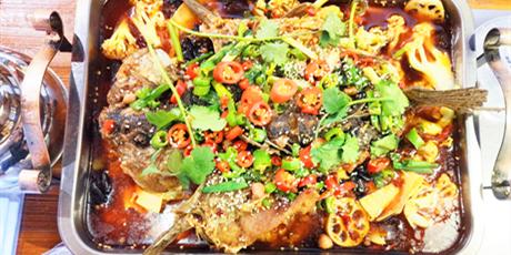 【无需预约·D318海鲜烧烤涮-烤鱼】仅39.9元享门市价115元烤鱼套餐,烤鱼+ 配菜丰富,新鲜好吃 :腐竹、木耳、西芹、豆腐皮、竹笋 、菜花、藕片
