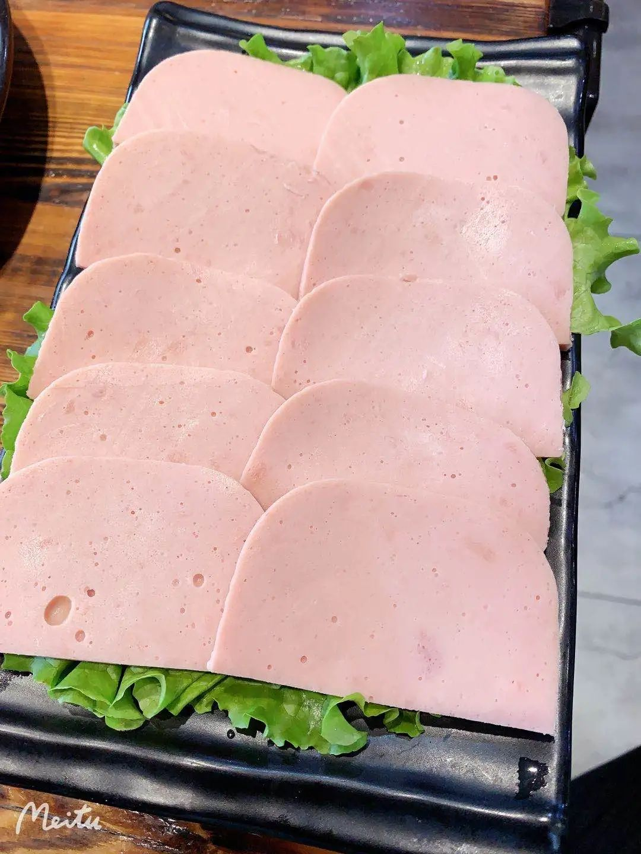 【二道区·牛公子烤肉】长春烤肉界的扛把子来了!现仅需69.9即可抢购门市价210元的超值3人烤肉套餐,经典肥瘦、筋皮子、培根、三文治、实蛋·····还有各种素菜让你吃到撑!